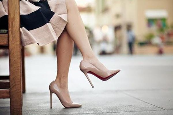 8 cách phối giày cao gót cho cô nàng công sở đẹp và lịch lãm